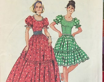 Simplicity Square Dance Tiered Skirt in Two Length  Complete Size 16 Bust 38