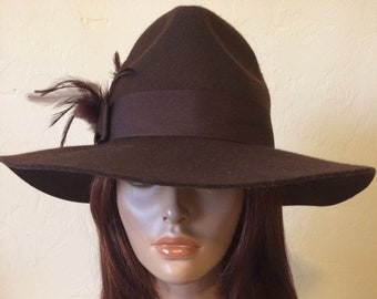 cc67eef43ad Vintage 1980 s Ladies Brown Felt Wool Felt Fedora Hat with Feather