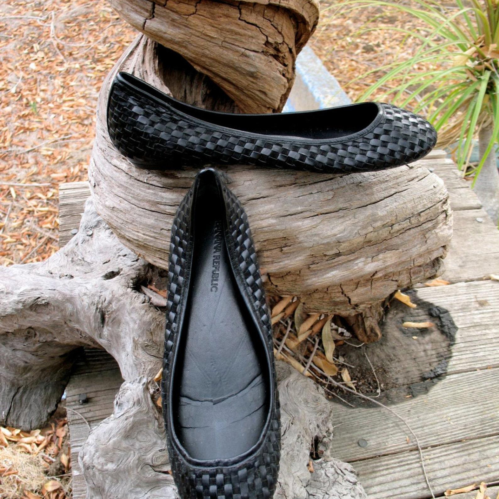 banana republic black woven leather ballet shoes audrey hepburn style size 7 1 /2 m