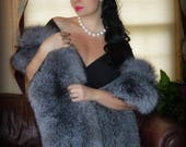 Exquisite Genuine Silver Grey Extra Full Fox Fur Stole w Tails Luxurious Bridal Fox Fur Wrap Fox Fur Shrug Fox Shoulder Wrap XXL One Size