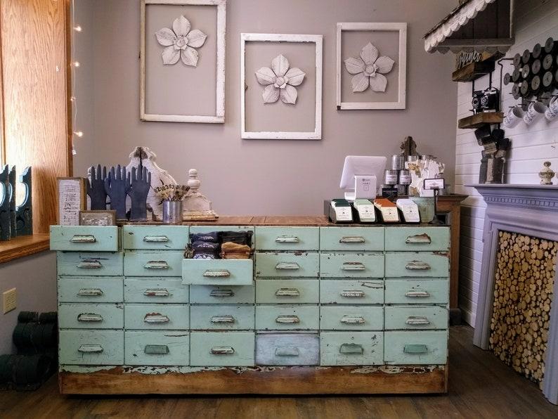 Contador de tienda de estilo vintage muestra Casa De Muñecas Miniaturas