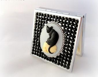 Black cat on a skull gothic cameo rhinestone pill box, gothic gift, handmade decoden, dark accessory