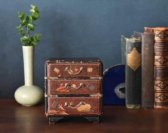 Antique Japan Tansu Miniature Chest of Drawers hand-painted Lacquered Wood jewelry box mini bureau Meiji Taisho late 19th/early 20th century