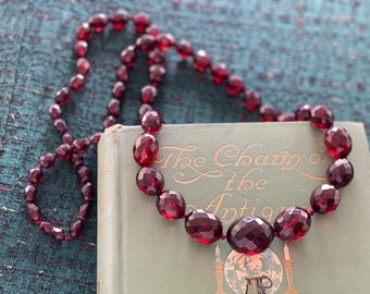 """r e s e r v e d // Art Deco Cherry Amber Bakelite Beaded Necklace faceted graduated beads 37"""" length 86 grams 1920s 1930s vintage"""
