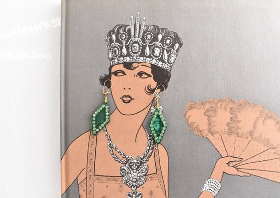 Art Deco dangle drop Earrings translucent Green ce