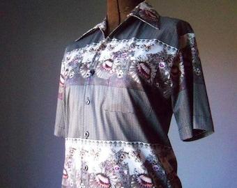 Unisex Vintage Collared Shirt Womens size Medium Mens size Small