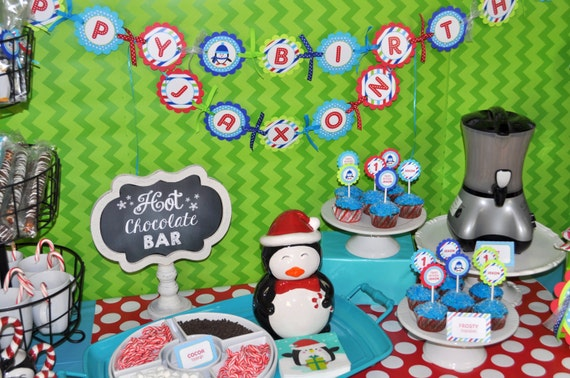 Set of 10 Girl Penguin Birthday Party Invitations Winter Onederland Birthday Party Decorations Girls Penguin 1st Birthday Invitations