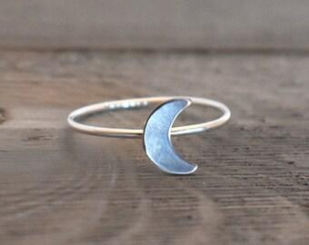 Moon Ring, Crescent Moon ring, Moon phase ring, moon phases, Moon child, luna, moon lover, moon magic, magickal, moon jewelry, silver moon