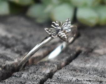Bee ring, Tiny Bee Ring, Rose Gold bee ring, Silver rings, midi rings, silver midi rings, knuckle ring, honeybee ring, bee jewelry