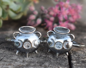 Cauldron Ring, witches' brew, Moon phase ring, magical jewelry, crescent moon ring, fortune telling, witchy ring, witch ring, cauldrons