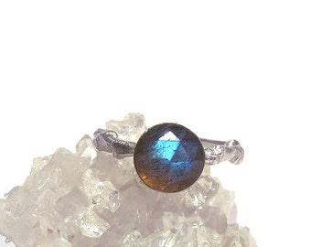 Labradorite Ring, Labradorite Twig Ring, Silver Labradorite ring, Twig Rings, Silver Twig Ring, Gemstone Twig ring, Midnight Moonstone