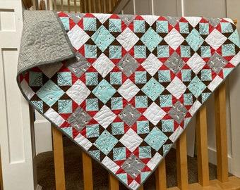 Handmade Quilt - Baby quilt - Lap Quilt - Puppies - Cotton - Handmade - Homemade
