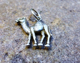 Camel Pendant - Sterling Silver - o d a a t