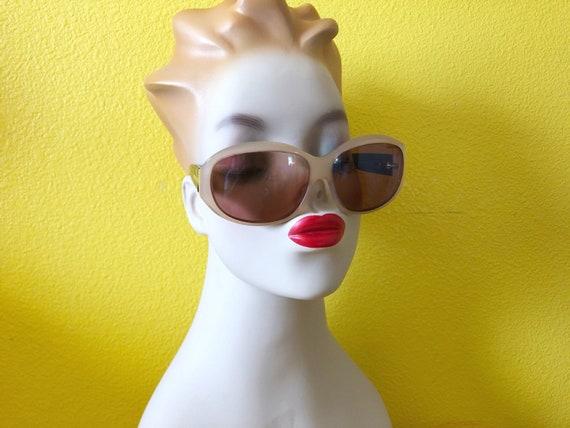 90s Authentic Prada Sunglasses in Cream Frame - image 5