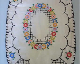 """Vintage 28x16"""" Linen Table Runner Dresser Scarf Tablecloth with Floral Hand Embroidery Cross Stitch"""