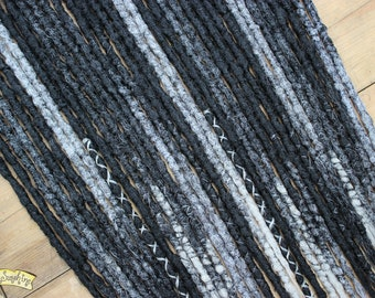 Black and Grey DE x18 Crochet Synthetic Dreads