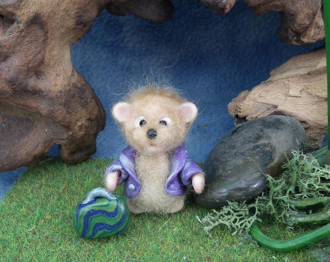Tiny Golden Artist Bear 'CalicoFlinda' JourneyBear with suitcase OOAK Sculpt by sculpture artist Ann Galvin