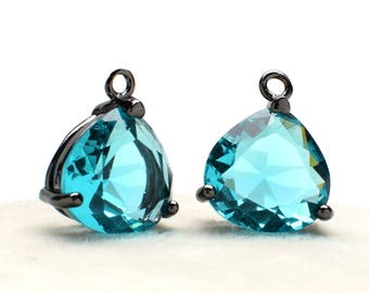 Black Color Plated over Brass Prong Setting. 18mm A2020094 2 Hexagonal Light Cyan Crystal Glass Pendant  Connector