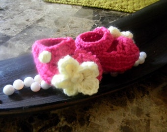 baby girl booties, hot pink with cream flowers