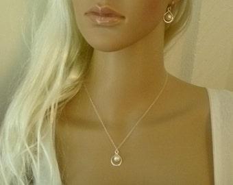 Bridal party neckace - Bridesmaid Jewelry - Bridesmaid Necklace - Infinity Necklace - Wedding Jewelry for Bride - Bridal party gifts