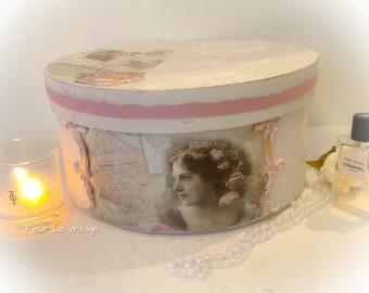 Parisian style a beige color  vintage lady  storage hat box french look nostalgia boudoir
