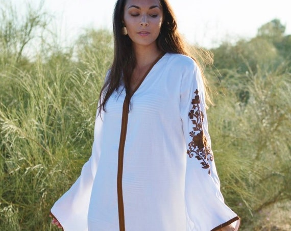 White Winter Kaftan-Floral Marrakech Bohochic Caftan, Lounge Dress, Embroidered kaftan, Embroidered Dress, , Eid, boho , maxi dress
