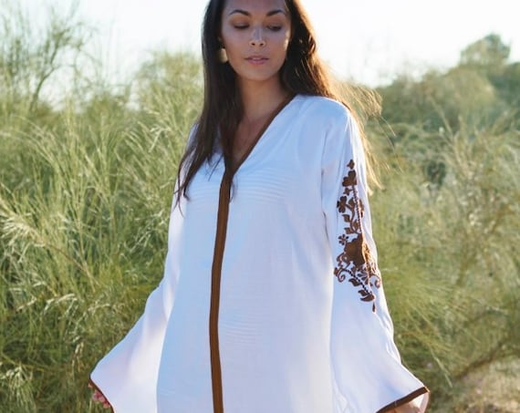 White Summer Kaftan-Floral Marrakech Bohochic Caftan, Lounge Dress, Embroidered kaftan, Embroidered Dress, , Eid, boho , maxi dress,, lounge
