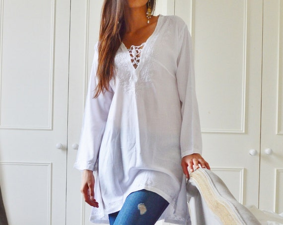 White Tunic Embroidered Dress-Karmia's Syle,boxing day sale,summer dress,beach kaftan,,holiday wear, lounge