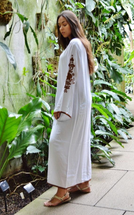 Marrakech Kaftan dress Embroidered Embroidered Bohochic maxi Caftan kaftan Floral Ramadan Dress Lounge boho Dress White Eid qwUxfZE5