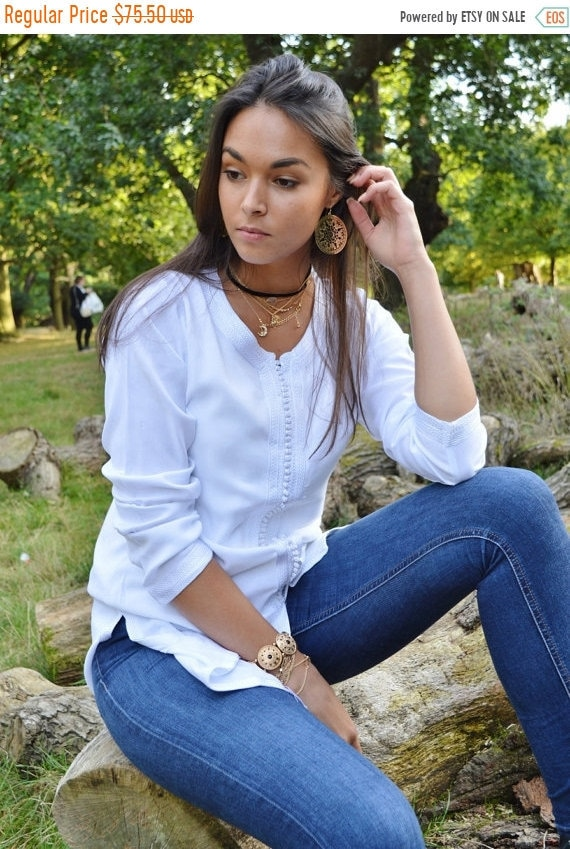 Kaftan Sale 20% Off/ Magrib Style White Shirt -perfect for casualwear, loungewear, as birthday, honeymoon gifts for her, resortwear, christm