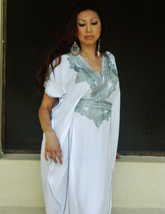 Set of 7 Bridesmaid robes,Bridesmaid gifts, White Silver Marrakech One Size Moroccan Kaftan-Beach wedding, bridal shower party, baby shower