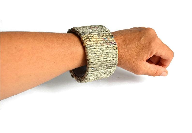 Bracelet made of newspaper yarn