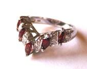 Vintage Ring Sterling Silver Jeweled Garnet Wedding Band Ring size 6.5