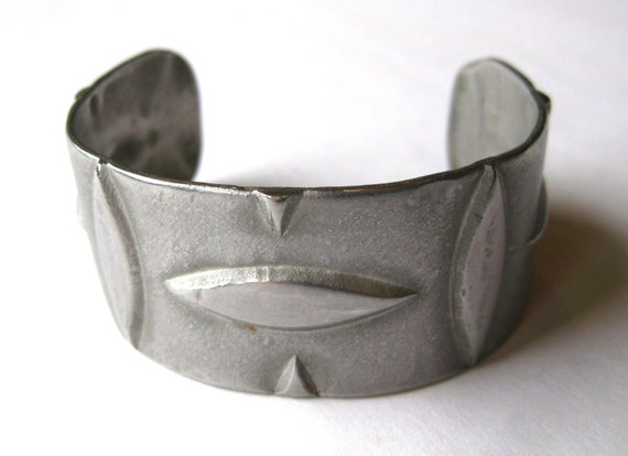 Vintage 60s 70s Pewter Abstract Wide Cuff Bracelet - image 5