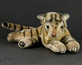 13 quot Mohair Stuffed Tiger Cub Transistor 6 Radio Novelty Figural Glass Eyes Stellar Brand AM ONLY Made in Japan