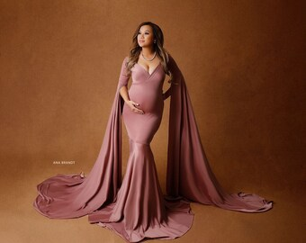 c7a62edfca02c Peonia Gown • Maternity Gown • Maternity Photography • Fitted Maternity Gown  • Pregnancy Gown • Baby Shower Gown
