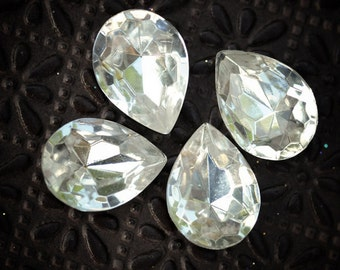 LAST ONES: 18x13mm RARE Vintage Pear Teardrop Clear Glass Faceted Gems Jewels, Quantity 4