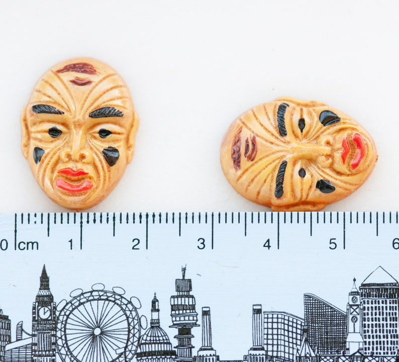 Oriental Q1-3-5-back Resin Qty 1 Mask Tribal Chinese Painted Samurai Warrior Yellow Very Unusual Vintage 24x18mm Face Cabochon