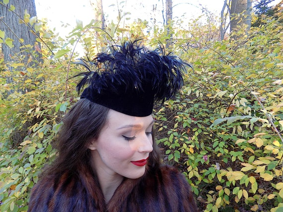 1930s / 1940s Feather Black Velour Teardrop Hat