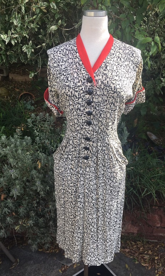 Vtg 40s novelty dress/ 1940s rayon dress/ red blac