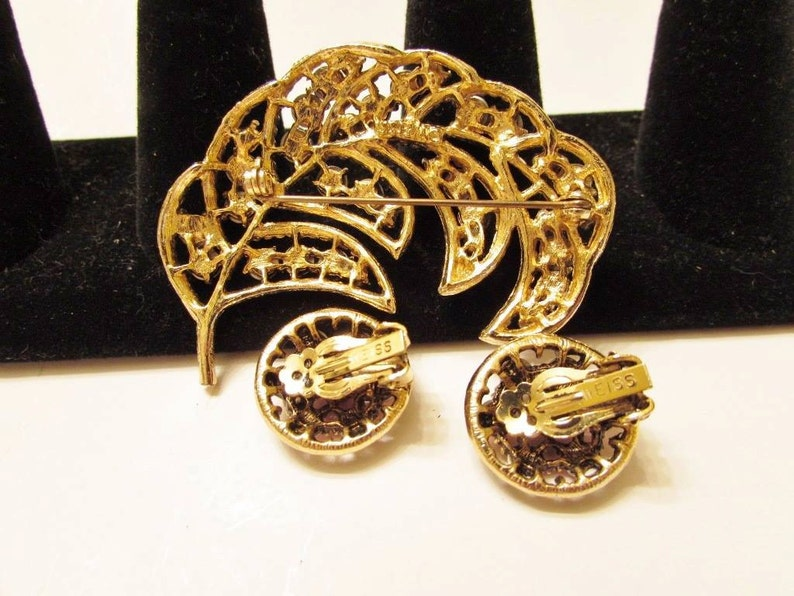 Vintage Goldtone Weiss Pink Rhinestone Brooch /& Clip On Earring Set Weiss Pink Rhinestone Floral Pin Demi Parure Weiss Costume Jewelry