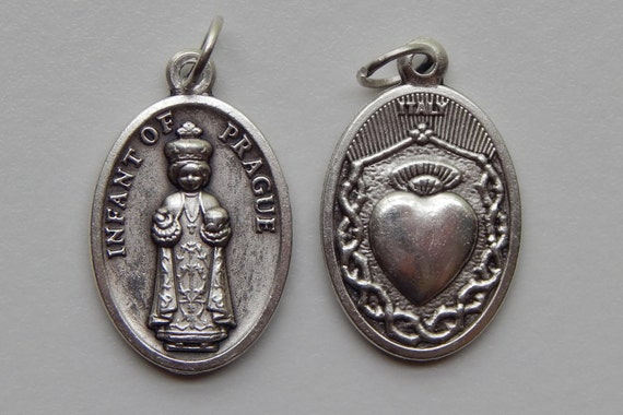 Patron Saint Medal Finding - Infant of Prague, Heart, Die Cast Silverplate, Silver Color, Oxidized Metal, Made in Italy, Charm, Religious