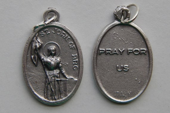 Patron Saint Medal Finding - St. Joan of Arc, Small Pray, Die Cast Silverplate, Silver Color, Oxidized Metal, Italy Made, Charm