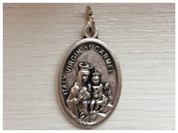 Patron Saint Medal Finding - Virgin of Carmel, Pray, Die Cast Silverplate, Silver Color, Oxidized Metal, Made in Italy, Charm