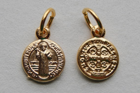 5 Patron Saint Medal Findings - Tiny St. Benedict, Die Cast Gold Plate, Bright Gold, Oxidized Metal, Made in Italy, Charm, Drop