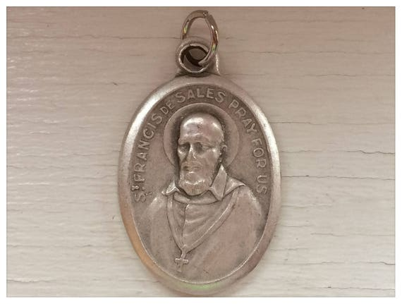 5 Patron Saint Medal Findings, St. Francis de Sales, Die Cast Silverplate, Silver Color, Oxidized Metal, Made in Italy, Charm, Drop
