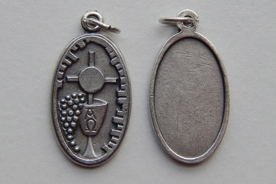 Patron Saint Medal Finding - Holy Eucharist, Communion, Die Cast Silverplate, Silver Color, Oxidized Metal, Made in Italy, Charm
