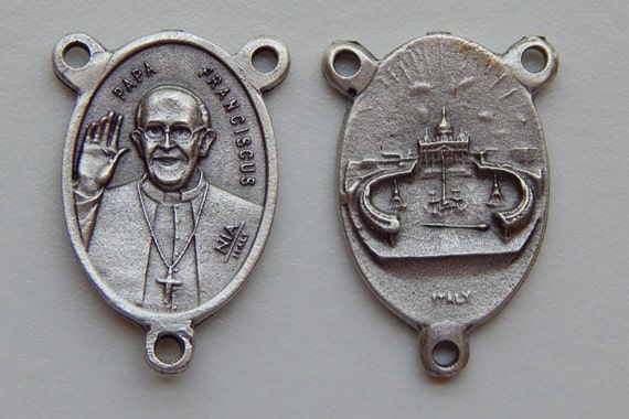 Rosary Center Piece Finding - Pope Francis, Papa Franciscus, Silver Color Oxidized Metal, Rosary Centers, Religious, Made in Italy