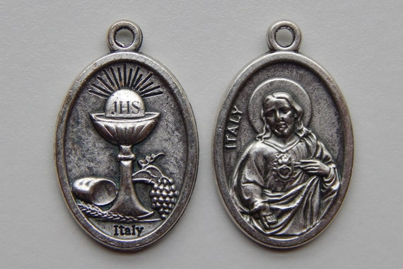 Patron Saint Medal Finding - Communion, Sacred Heart, Die Cast Silverplate, Silver Color Oxidized Metal, Made in Italy, Charm, Religious
