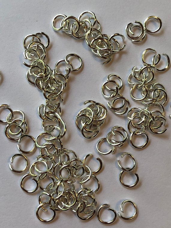 25 Grams of Metal Jewelry Findings - Jumprings, 6mm OD, 4.4mm ID, 20 Gauge, Open Rings, Silver Color, Beading, Medium Size, Base Metal